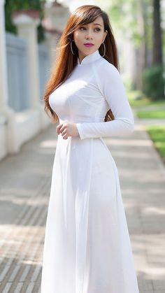 Best 12 VideosMost Beautiful and Sexy Babes! Ao Dai, Oriental Dress, Vietnam Girl, Vietnamese Dress, Beautiful Asian Women, Traditional Dresses, Asian Woman, Asian Beauty, White Dress