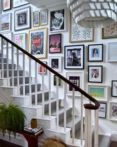 "35 Adorable Gallery Wall Design Ideas To Try Right Now - I just worship gallery walls. Gallery walls are an elegant way to decorate your walls and to add a unique character to your interior. There is no ""rig. Gallery Wall Staircase, Staircase Wall Decor, Picture Wall Staircase, Picture Frames On The Wall Stairs, Photos On Wall, Staircase Pictures, Staircase Frames, Stairwell Wall, Hallway Art"