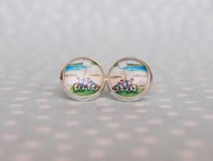 Omggg, beach cruisers on my ears!!! My 2 obsessions...jewelry and bikes, lol. // I found this really awesome Etsy listing at https://www.etsy.com/listing/181572377/beach-style-bicycle-earrings-handmade