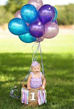 22 fun ideas for your baby& first birthday photo shoot - Bir . - 22 fun ideas for your baby& first birthday photo shoot – Birthday b - 1st Birthday Photoshoot, Baby Girl 1st Birthday, 1st Birthday Parties, Birthday Ideas, Birthday Balloons, Birthday Fun, Baby's First Birthday, Outdoor Birthday, Birthday Cake