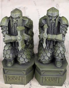 LOTR The Hobbit The Desolation of Smaug Resin Statue Bookend Sculpture Decoration Book Holder Lonely Mountain dwarf Tolkien, O Hobbit, Hobbit Hole, Lotr, Radagast The Brown, Desolation Of Smaug, Book Holders, Lord Of The Rings, Character Illustration