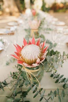 Protea + greenery + jar vases = perfect outdoor table decor - Anna Kim Photography