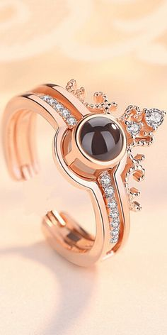 Romantic projection ring for lovers. #royal #royalty #crown #princess #queen #jewelry #rings
