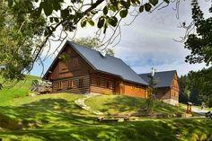 v Krkonoších - pohled zvenku Cabin, House Styles, Home Decor, Decoration Home, Room Decor, Cabins, Cottage, Home Interior Design, Wooden Houses