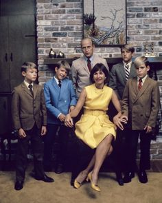 Pete Conrad was the commander of Apollo 12. Here is the Conrad family. | Here Are Some Amazing Photographs Of Early Astronauts And Their Wives