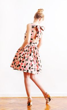 Open Back Graphic Print Cotton Dress. Love love love this!