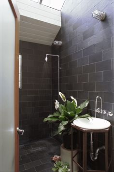 Expert Advice: 10 Essential Tips for Designing the Bathroom - powder room sink? Remodelista