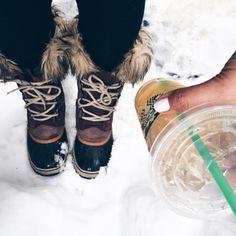 Afternoon pick-me-up! Minimalistic by Essie on my nails. #starbucks#snow#midwest#midwestblogger#sorel#sorelboots#tea#starbies#instagood#snow#leggings#chicagoblogger#essie#nails#nailpolish#lifestyleblogger#lifetsyleblog#fashionista#fashion (at http://candidlyelyse.com)