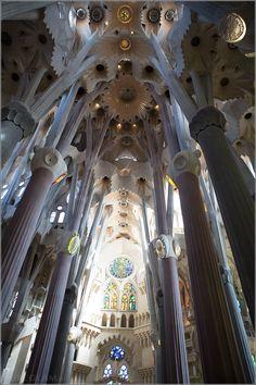 Sagrada Família, Basilica – a must-visit-spot in Barcelona, Spain