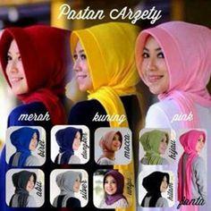 Hijab Pashmina Instan Arzety Model 2017 Terbaru Harga Murah Berbahan jersey sehingga tidak mudah kusut dan mudah dibentuk Ket : panjang sesuai gambar
