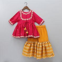 Girls Dresses Sewing, Stylish Dresses For Girls, Frocks For Girls, Little Girl Dresses, Baby Dresses, Kids Dress Wear, Kids Gown, Kids Wear, Girls Frock Design