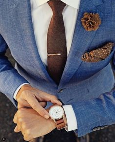 Fresh looks! Blue suit