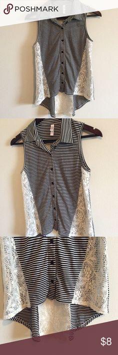 Xhilaration Lace Stripe Sleeveless Top 👚Small Target xhilaration brand size small tip. Striped with lace detail. Lace back. Xhilaration Tops