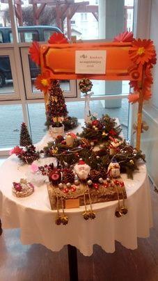 obraz 01 (47 odwiedzin) Christmas Wreaths, Christmas Tree, Holiday Decor, Home Decor, Teal Christmas Tree, Decoration Home, Room Decor, Xmas Trees, Christmas Trees