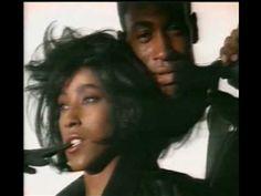 C & C Music factory - Everybody dance now - YouTube