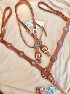 Showman Youth Floral Tooled Medium Oil Leather Spur Straps w//Turquoise Stones New Horse TACK!