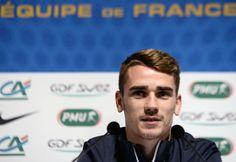 """Sélectionné pour la première fois dans une liste du sélectionneur Didier Deschamps, Antoine Griezmann, le jeune attaquant de la Real Sociedad, 22 ans, affirme ne se mettre """"aucune pression"""" à 100 jours du Mondial."""