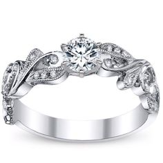 THIS IS MY FUTURE WEDDING RING. For those who love me, you will remember this post when he, whoever he is, wants to propose.