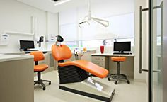 Check out Dental Clinic Interior Design Ideas For Small Office. Here at The Architecture Designs, browse all dental clinic design ideas. Clinic Interior Design, Clinic Design, Magenta, Teeth Whitening That Works, Dental Emergency, Dental Surgery, Dental Implants, Hospital Design, Dental Problems