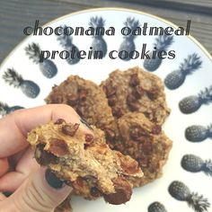 Finally we got a baking win 😅! We've been struggling to find a guilt free baked good without a whack fake sugar aftertaste--guys these are actually really good! Even to people who haven't been living in a macro desert lol! Mix, bake, enjoy! 🍌+🍫= 🍪 . CHOCONANA OATMEAL PROTEIN COOKIES Yields 16 cookies  Macros for one cookie: 1.6F 9.6C 4P . 2 medium ripe Bananas, mashed 1 cup of uncooked Quick Oats 1/4 cup Chocolate Chips 2 scoops PEScience Protein Powder (snickerdoodle)  1/2 tsp vanilla…