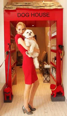 Homebuildlife: The Dog House at The Marvel Room Dog Grooming Shop, Dog Grooming Salons, Marvel Room, Dog Spaces, Dog Salon, Animal Room, Dog Rooms, Dog Boutique, Dog Daycare