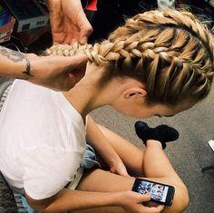 Love this powder blue hair color! Coloured Hair, Dye My Hair, Brazilian Hair, Hair Dos, Gorgeous Hair, Pretty Hairstyles, Summer Hairstyles, Grunge Hairstyles, Style Hairstyle