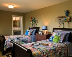 Kids Boys' Rooms Design, Pictures, Remodel, Decor and Ideas - page 2  Love those shelves!
