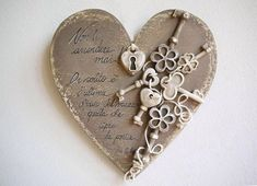 15 regalini semplici semplici per la festa della mamma Heart Decorations, Valentines Day Decorations, Valentine Crafts, Be My Valentine, Primitive Crafts, Wood Crafts, Crafts For Seniors, I Love Heart, Heart Crafts