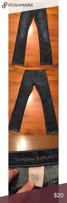Banana Republic Dark Straight Leg Jeans Cute & comfortable!! In excellent used condition. Size 28. Banana Republic Jeans Straight Leg