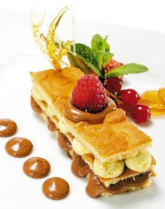 Sponge Cake with Chocolate and Pistachio Mousse and Fresh Berries Sponge Cake, Pistachio, Mousse, Feel Good, Waffles, Berries, Fresh, Chocolate, Cooking