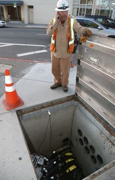 A PG&E worker was on the scene in Berkeley on Tuesday evening. Photo: David Yee