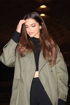 Haircut Black Hair Long Outfit 70 Ideas For 2019 Indian Celebrities, Bollywood Celebrities, Bollywood Fashion, Bollywood Actress, Indian Bollywood, Bollywood Stars, Deepika Padukone Hair Color, Deepika Padukone Latest, Deepika Padukone Hairstyles