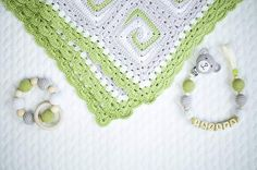 Baby blanket 100%merino,  dummy clip and teething toy. #crochet #dummyclip #teethingtoy#blanket #nanielhandmade