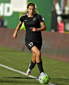 """""""Today, Tobin Heath—and the rest of the Thorns who played in Rio—return to PDX. Football Players Images, Female Football Player, Football Girls, Soccer Girls, Us Soccer, Football Soccer, Worldcup Football, Tobin Heath, Olympic Sports"""