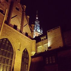 #gdansk #night #nightshot #gdanskbynight #building   photo: Stanisław Jażdżewski