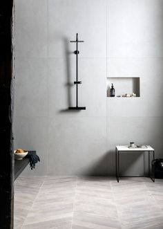 Discover timeless bathroom tile trends that look stunning for years to come, including marble tiles and concrete-effect flooring, by Mandarin Stone. Large Tile Bathroom, Stone Bathroom, Bathroom Ideas, Master Bathroom, Large Tile Shower, Master Shower, Bathroom Goals, Bathroom Inspo, Bathroom Shelves