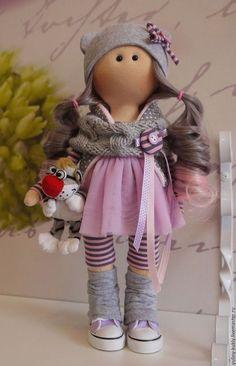Купить или заказать Текстильная куколка-малышка Моя Мышка в интернет-магазине на Ярмарке Мастеров. Текстильная куколка-малышка Моя Мышка. Рост 30 см., стоит сама. Сшита из кукольного трикотажа,волосы- кукольные трессы. Одета в фатиновую юбочку, трикотажные бриджи, гетры, шапочку, стеганый хлопковый жилет. Шарф связан вручную. На ножках кукольные кеды.