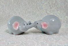 Vintage Elephants Salt Pepper Shakers – Huggers – Elephants Hugging Trunks – Blue Elephant Shakers by BeanzVintiques on Etsy