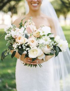 Lush blush blooms | Photography: Ben Q Photography - benqphotography.com