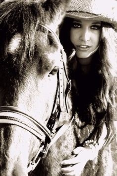 the cowgirl sees it all Horse Girl Photography, Equine Photography, Senior Photography, Digital Photography, Animal Photography, Cowgirl And Horse, Horse Love, Horse Riding, Horse Photos