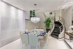 Casa Tripoli: Salas de jantar modernas por Arquiteto Aquiles Nícolas Kílaris