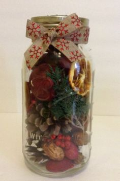 Christmas Apple Cinnamon Potpourri Mason jar. Have your home smelling like Christmas with this fragrant potpourri. This is great for gift