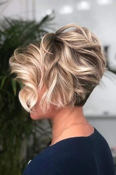 Latest Short Hairstyles for Winter 2020 , Pixie haircut has a harvest variant and is not very easy to maintain. If you like it so much, you can always have a ba Latest Short Hairstyles for Winter 2020 Latest Short Hairstyles, Short Hairstyles For Thick Hair, Short Hair With Layers, Short Hair Cuts For Women, Winter Hairstyles, Cool Hairstyles, Layered Hairstyles, Protective Hairstyles, Hairstyle Ideas