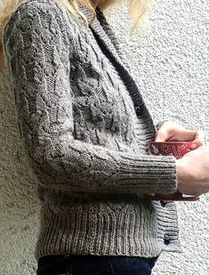 Ravelry: Project Gallery for Girl Friday pattern by Mercedes Tarasovich-Clark-free patern