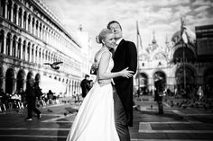 A Beautiful #Venice #Wedding Shoot captured by Schwarz Bild Photography. http://www.yourperfectweddingphotographer.co.uk/article/venice-wedding-shoot/