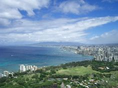 Vista di Honolulu da Diamond Head  Honolulu, Hawaii  I would really love to go to this place again someday!