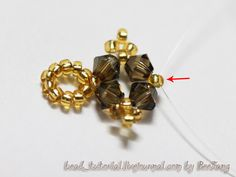 This girl can do anything!!! Great tutorial for a necklace called Golden Beauty by BeeJang. She has an amazing talent and I just LOVE her work!