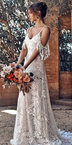 Sol Grace Loves Lace Jurkjurk Bruid Bridal Rok Mode Bruiloft … - Fashion for teens Grace Loves Lace, Bridal Skirts, Top Wedding Dresses, Bridal Gowns, Dresses Dresses, French Wedding Dress, Bridal Lace, Indie Wedding Dress, Lace Bride