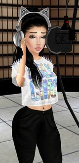 On IMVU you can customize 3D avatars and chat rooms using millions of products available in the virtual shop and meet people from around the world. The Outfit Challenge is just one of the ways the community shows off their creativity!