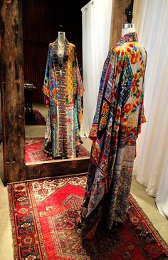 One-of-a-kind Silk Caftan at the Johnny Was Santa Monica Place store Abaya Fashion, Ethnic Fashion, Kimono Fashion, Modest Fashion, Boho Fashion, Fashion Design, Girl Fashion, Bohemian Mode, Bohemian Style